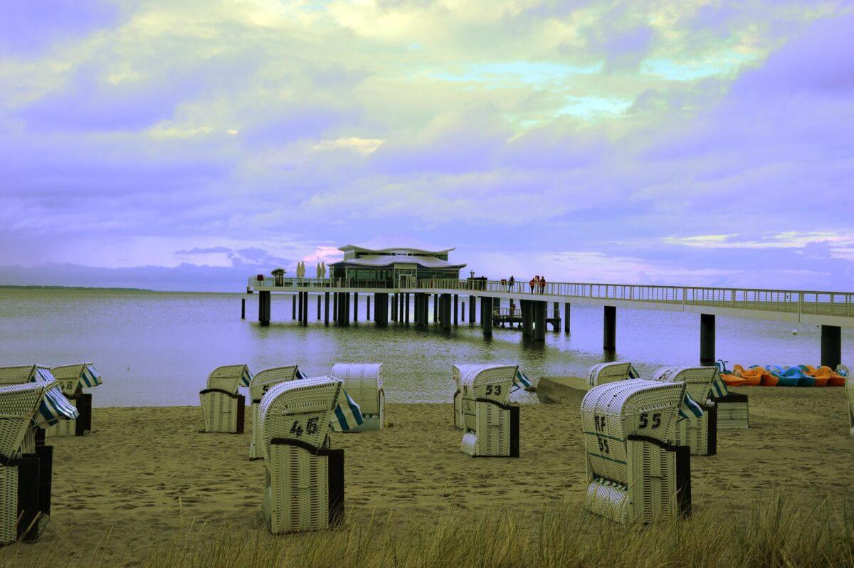 Cafe Wolkenlos Timmendorfer Strand mit Strandkörben